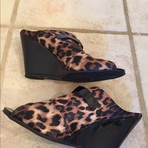 Fiona Leopard Print Wedge Shoes - Size 8 - Fun!